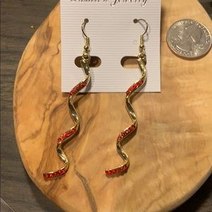 Jewelry - 🌻Gold and red crystal swirl earrings NEW